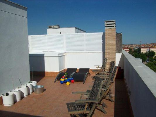 Precio cerramiento terraza atico cerramiento terraza with for Trasteros para terrazas precios
