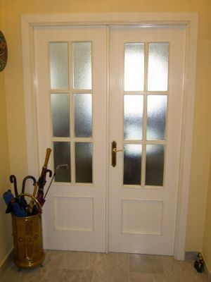 Presupuesto para lacar puertas interiores en blanco en for Puertas acristaladas interior