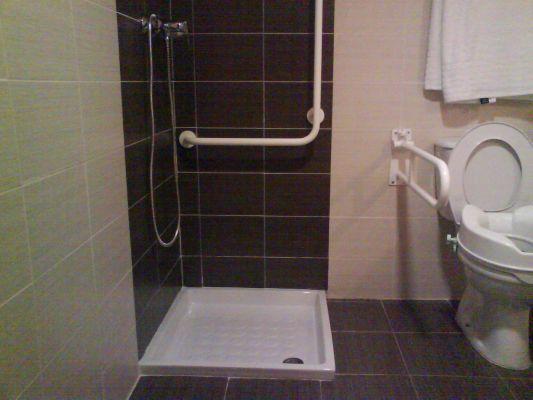 Presupuesto para cambiar plato de ducha y muro a media - Duchas con muro ...