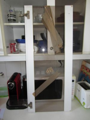 Presupuesto para cambiar cristal puerta mueble cocina en for Cambiar puertas muebles cocina