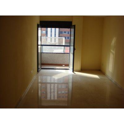 Presupuesto para pintar casa y encerar suelo terrazo en for Presupuesto para pintar