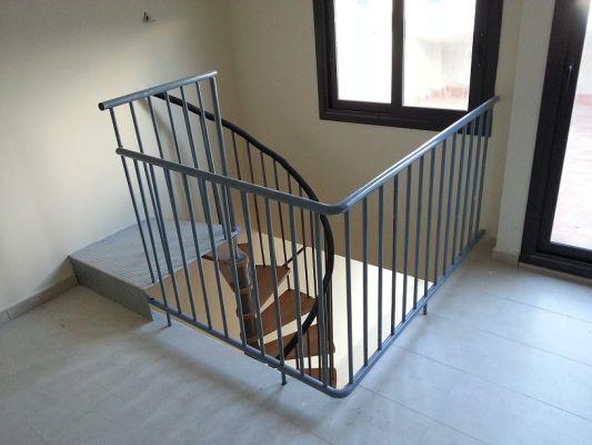 Presupuesto para cambiar escalera caracol en duplex en - Precio escalera caracol ...