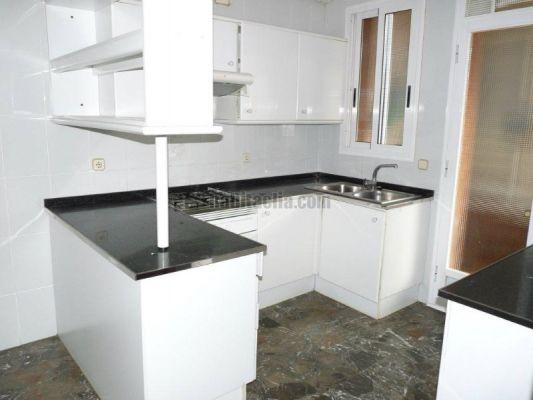 Presupuesto para reforma parcial pintar un piso 100 m2 poner parquet montar cocina en barber - Precio pintar piso 100 m2 ...