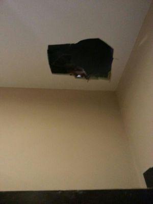 Presupuesto para tapar agujeros pared techo en madrid - Tapar agujero techo ...