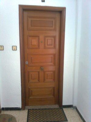 Cambiar puerta entrada piso materiales de construcci n for Se puede cambiar una puerta sin cambiar el marco