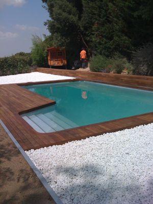 Servicios de contacto de piscinas fullequip for Bordillo piscina
